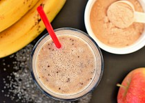 Proteinové smoothie s banánem a jablkem
