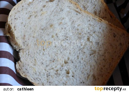 Pšenično-žitný chléb se slunečnicovými a chia semínky