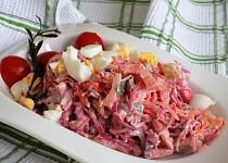 Syrová zelenina v bramborovém salátě