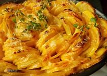 Gratinované tymiánové brambory s podmáslím, smetanou a sýrem