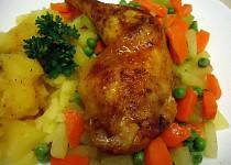 Máslová kuřecí stehna se zeleninou