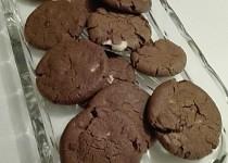 Kakaové sušenky s kousky čokolády