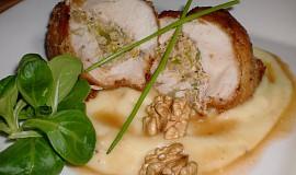 Kuřecí se sýrovo - ořechovou náplní