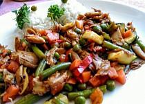 Zeleninová směs s kuřecím masem