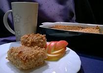 Bezlepková ovesná sypaná buchta s jablky