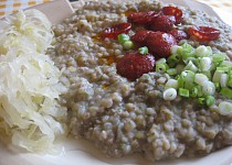 Červená čočka s pohankou, majoránkou a česnekem