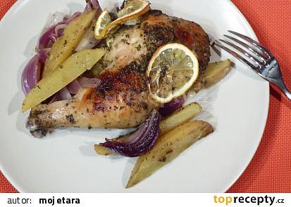 Citronové kuře s bramborami a červenou cibulí