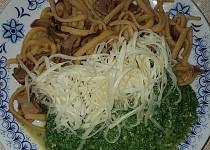 Houbové těstoviny se špenátem