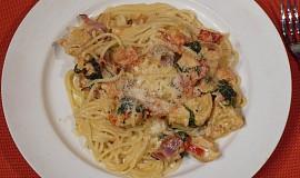 Kuřecí prsa v krémových špagetách