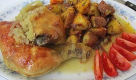 Pečená kuřecí stehna na cibulce