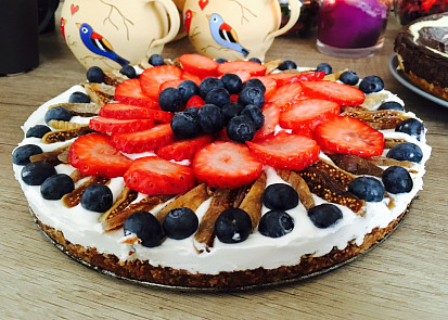 Tvarohovo-jahodový dort