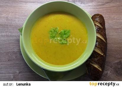 Dýňová polévka s červenou čočkou