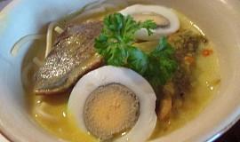 Barmská nudlová polévka (Ohn-no-kauk-swey)