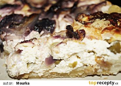 Cibulovo tvarohový koláč s olivami