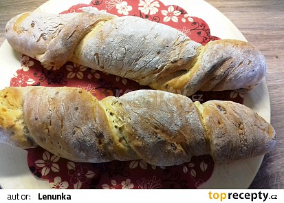 Kořenový chléb s cibulkou