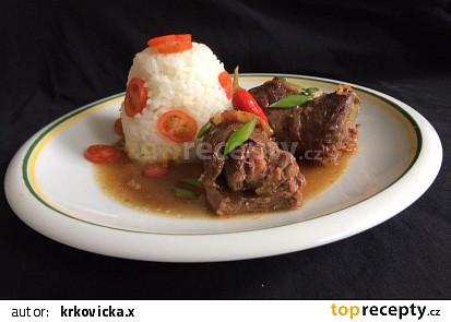 Rolovaná hovězí roštěná na červeném víně s rýží