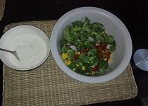 Salát se zakysanou smetanou