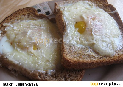 Toasty s volským okem a hermelínem
