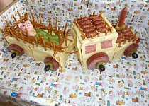 Traktor z toustového chleba