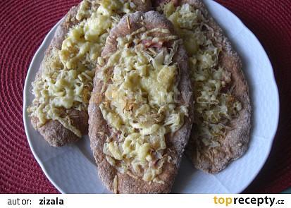 Chlebové placky s kysaným zelím