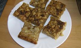 Drobenkový koláč s rebarborou