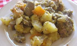 Hovězí kotlík s mrkví, máslovou dýní a brambory