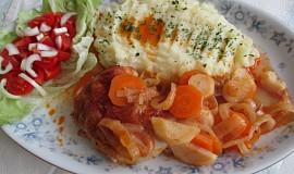 Kuřecí stehna pečená na kořenové zelenině