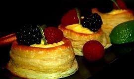 Plněné listové koláčky vanilkovým krémem
