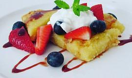 Polentový dezert s ovocem