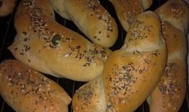 Sádlové rohlíky zadělávané v domácí pekárně