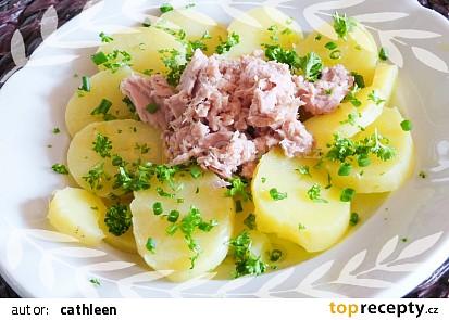 Salát s tuňákem a brambory