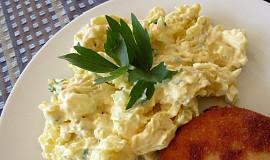 Bramborový salát s chřestem a vejci