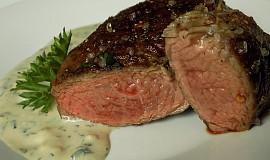 Hovězí steak s omáčkou z Nivy a libečku