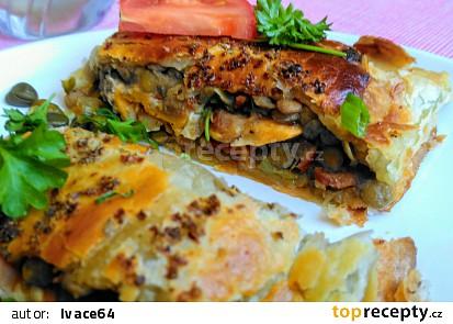 Listový závin s čočkou s kapary,  slaninou a vejci