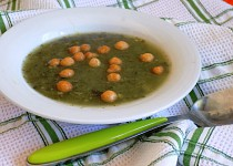 Polévka s droždím a se špenátem