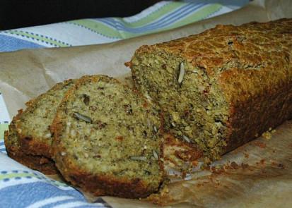 Domácí chléb pečený v troubě, bez lepku a laktozy