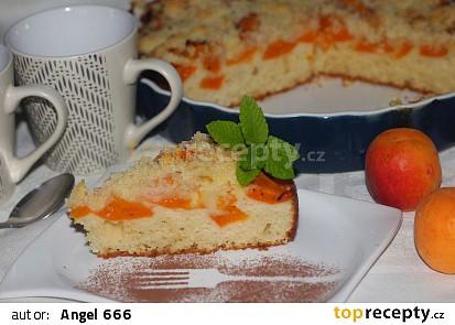Koláč z tvarohového těsta s meruňkami
