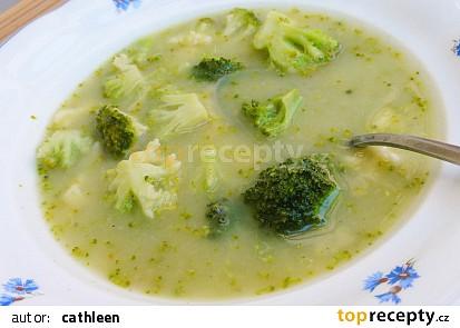 Máslová brokolicová polévka