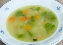 """Babiččina letní """"sekyrková"""" polévka"""