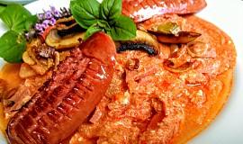 Barevná  zeleninová směs z paprik, rajčat, žampionů a ředkviček (à la lečo)