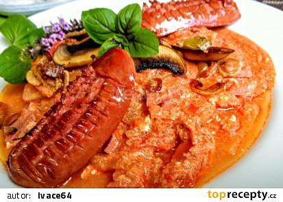 Barevná  zeleninová směs z paprik, rajčat, žampionů a ředkviček (ala lečo)