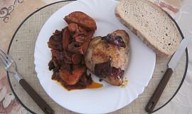 Kuře na zelenině s červeným vínem