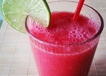 Melounové smoothie se zázvorem a limetkou