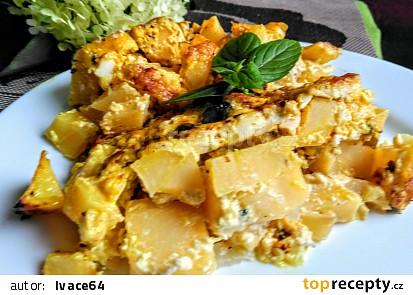 Zapečené brambory s olivami a několika druhy sýrů