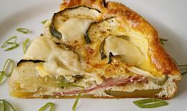 Cuketa zapečená s bramborem,uzeninou a sýrem
