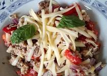 Sardinkový  salát se sýrem (zdravá  rychlovka)