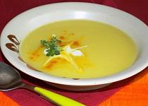 Cuketová polévka  s kari