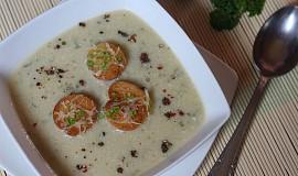 Kedlubnová polévka se sýrem