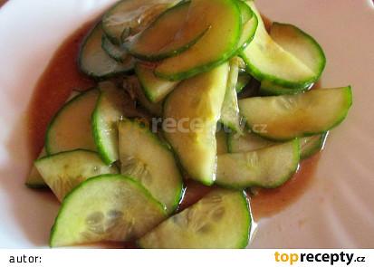 Khmérský okurkový salát