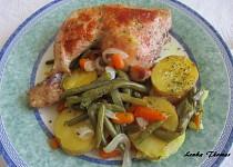 Kuřecí stehna s fazolkami a mrkví